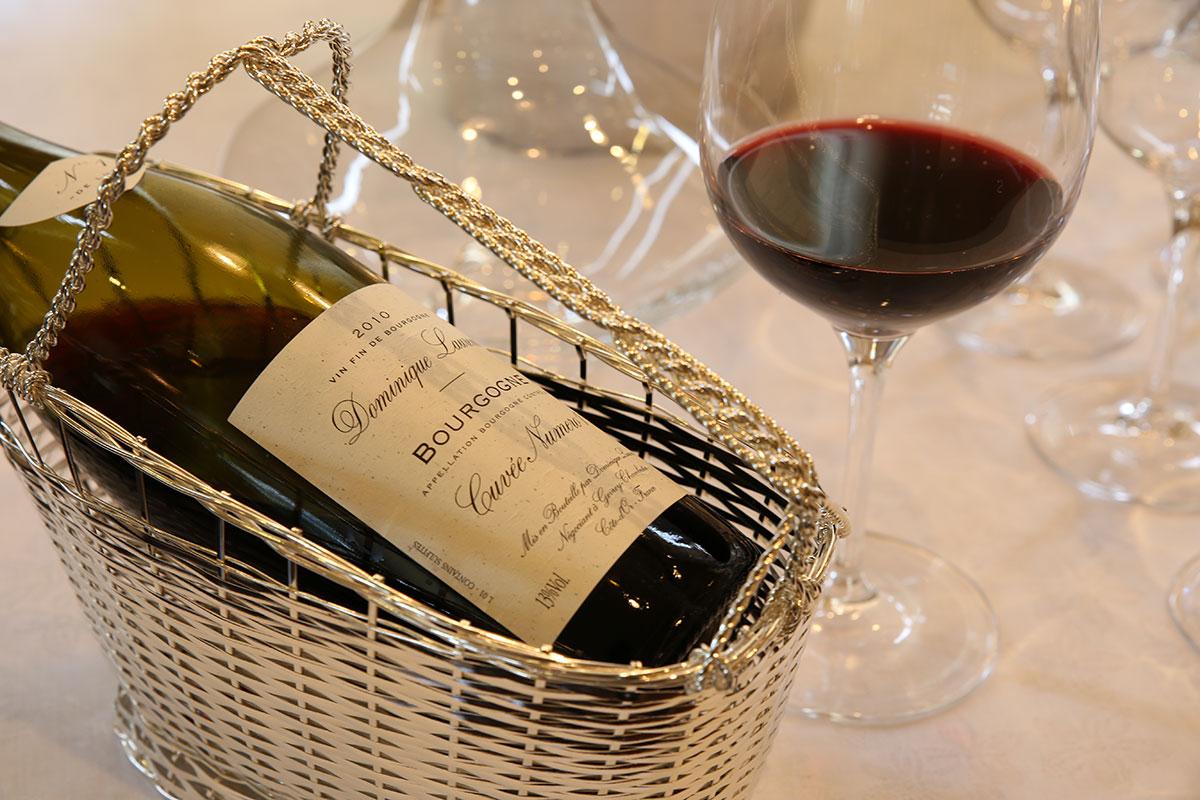 個性豊かで優しい味わいの自然派ワインを取り揃えております